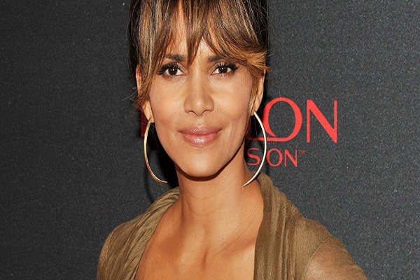 HALLE BERRY NET WORTH, MOVIES, KIDS & AGE