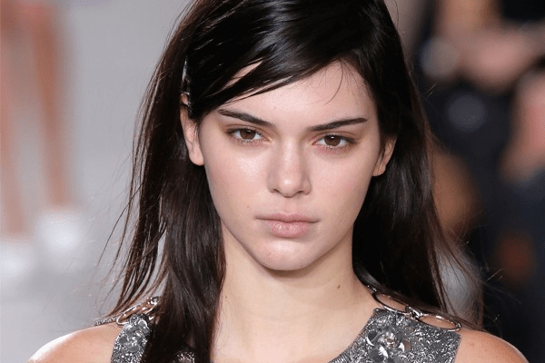 KENDALL JENNER AGE, NET WORTH, BOYFRIEND, INSTAGRAM