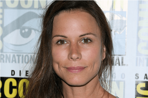 Rhona Mitra's dating affair with super stars! Who is she in a relationship with now?
