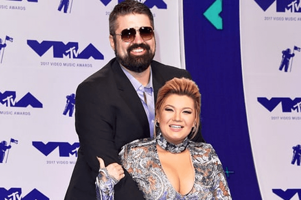 Amber Portwood nervously brings New Boyfriend Andrew Glennon to the VMAs