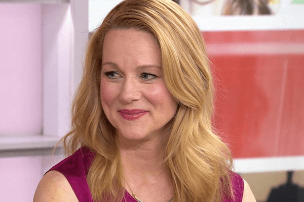 Laura Linney Movies, Early Life, Education, Acting, Awards, Honors, Personal Life and Net Worth