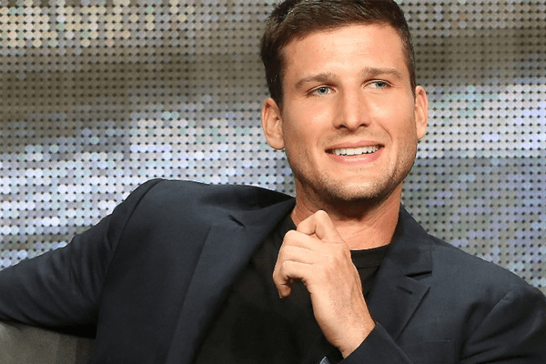 Parker Young's gay rumor can be set aside since his beautiful girlfriend is the proof