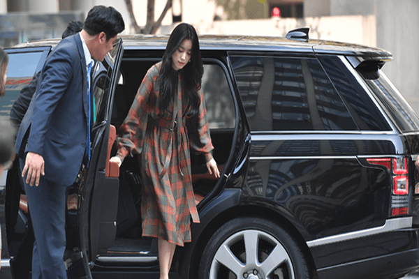 Han Hyo-Joo net worth include her car.