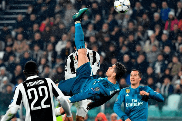 Ronaldo Bicycle kick
