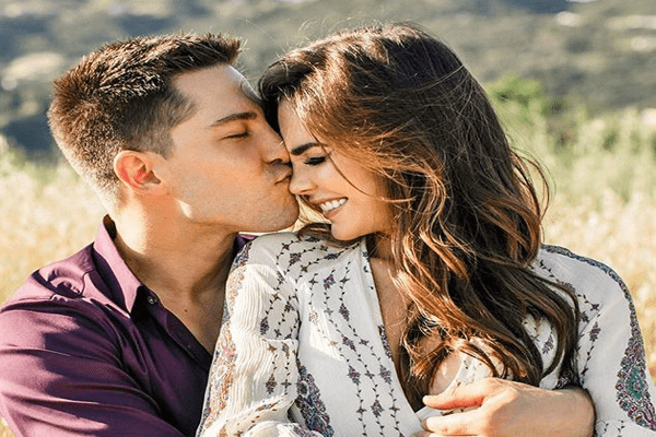Couple Jillian Murray and Dean Geyer Net Worth 2018 | Who is Richer?