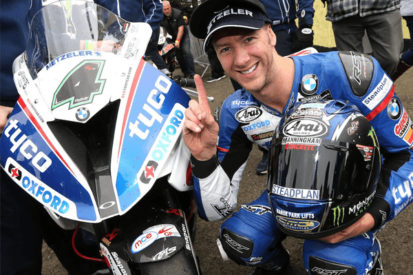 Ian Hutchinson Net Worth, Bio, Wiki, Girlfriend, Injury Update, TT Race and Speed