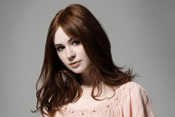 Karen Gillan, Net Worth, Avengers, Shaved Head, Boyfriend, Bio, and Pregnant