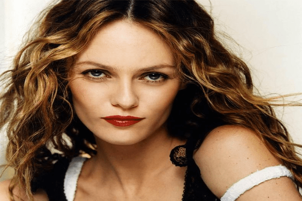 Vanessa Paradis Net Worth, Bio, Affairs, Photos, Depp, Children, Partner, and Family
