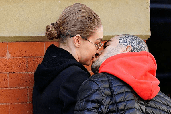 Zayn Malik and Ex-Girlfriend Gigi Hadid kissing in the streets of NYC, Couple are Back Again