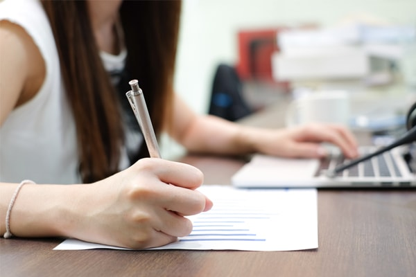 What are the benefits of hiring cheap writing services?
