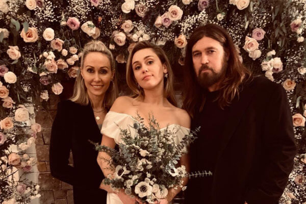 Miley Cyrus and Liam Hemsworth Had a Romantic Wedding! Now A Married Couple!