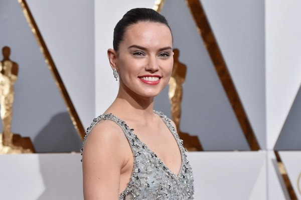 Daisy Ridley Net Worth. $300,000 Earnings from Star Wars Alone