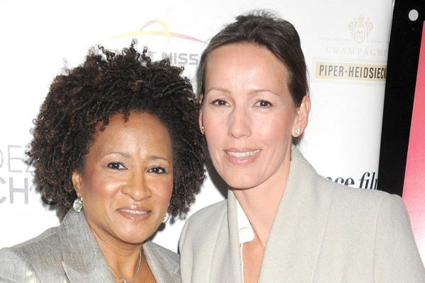 Alex Niedbalski and Wanda Sykes is lesbian couple