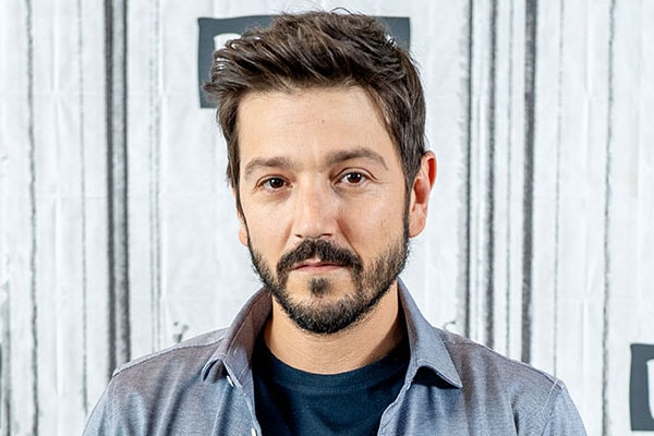 Diego Luna Net Worth - Earnings and Salary From Narcos: Mexico