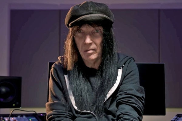 Mötley Crüe's Mick Mars' Net Worth - Income and Earnings From His Music Career