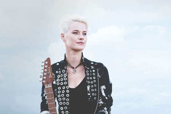 Know All About The Talented German Guitarist Yasi Hofer