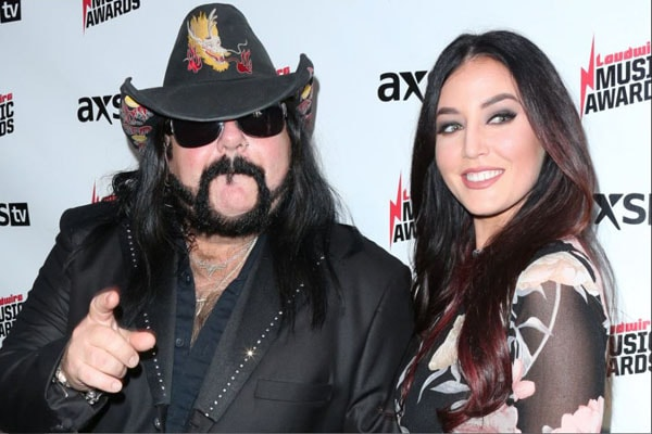 What Is Vinnie Paul's Girlfriend Chelsey Yeager Doing Now? Had Received 37% Of Vinnie's Estate After His Death