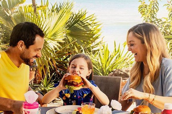 Jason Mesnick has a happy family