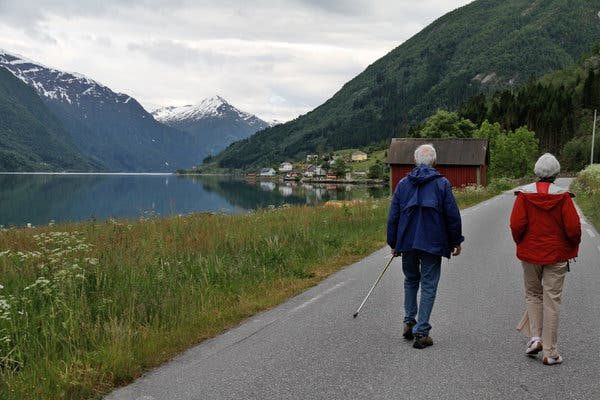 Tips for seniors to travel abroad