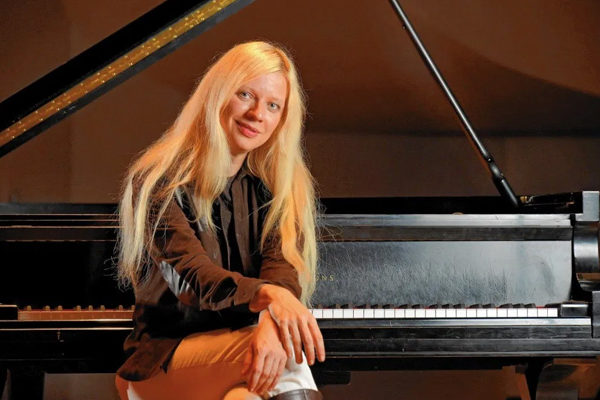 Valentina Lisitsa – Ukrainian Pianist aka Queen of Rachmaninoff