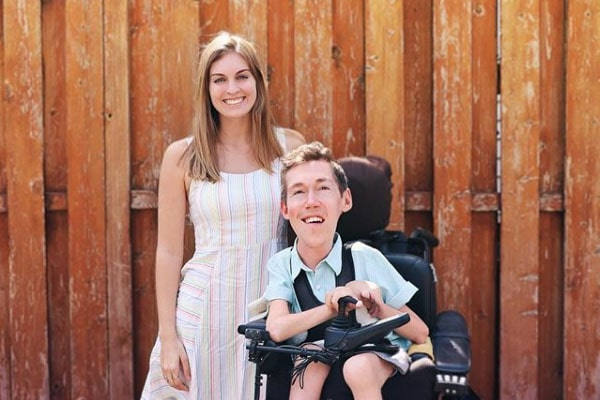 Interabled Relationship Of Shane Burcaw And His girlfriend Hannah Aylward