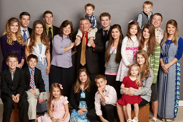 "How Much Is The Net Worth Of ""Bringing Up Bates"" Family? Look Into Each Members Net Worth"