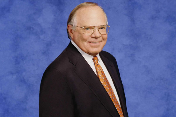Verne Lundquist – American Sportcaster