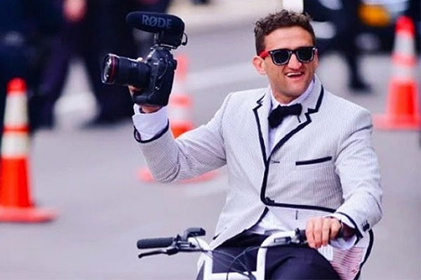 Casey Neistat Net Worth – Income Sources And Is The Co-Founder Of Beme